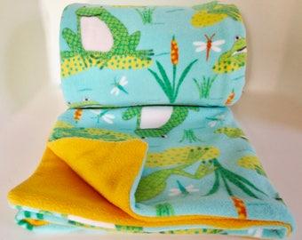 Smiling Frogs Fleece Blanket Throw