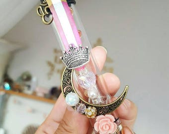 Sailor Universe - Princess Edition Crystallized Twisty Glass Pipe