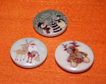 5 buttons round Christmas