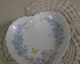 """Beautiful Vintage Mikasa """"Thinking of You"""" heart shaped dish Perfect for Valentines Day"""