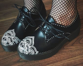 Hand Painted Mandala Vegan Leather Oxford Shoes
