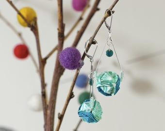 Drop earrings in origami, blue and white Japanese paper