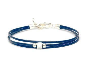 Navy Blue mum Like bracelet