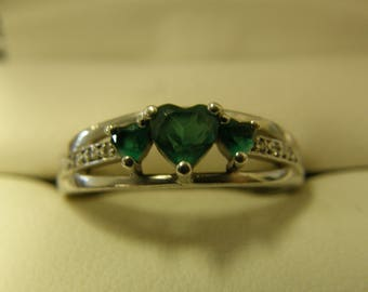 Green Hearts & Diamonds Sterling Silver Filigree Ring - Size 8 1/2