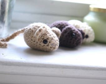 Crocheted Amigurumi Catnip Mouse Cat Toy