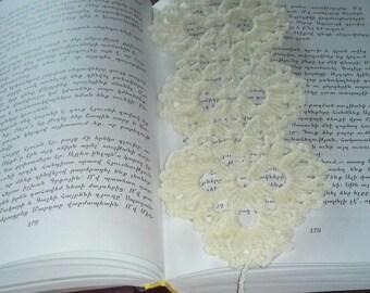 Bookmark, Crochet Bookmark, Handmade Bookmark, Booklover Gift, Reader Gift, Crocheted Bookmark, Flower Bookmark, Bookworm, Floral Bookmark