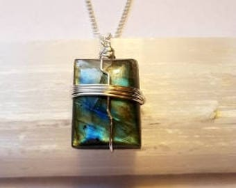 Labradorite Necklace Wire Wrapped Labradorite Necklace Labradorite Pendant Labradorite Gemstone Silver Plated