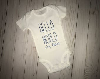 Hello World Bodysuit-Personalized Bodysuit-Coming Home Outfit-Birth Announcement Outfif-New Baby Gift-Baby Shower gift m