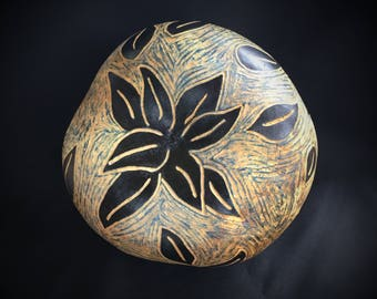 Gourd / Scratch Art / Rustic Modern Decor / Raw / Organic / Sgraffito / Bowl / Rugged / Falling Leaves / Gourd Art / Decorative Bowl