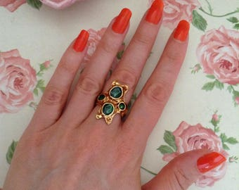 Vintage green and gold adjustable ring