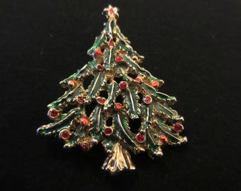 Vintage Enamel & Rhinestone Christmas Tree Brooch / Pin in Gold Tone