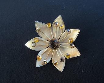 Vintage Rhinestone Floral Brooch in Gold Tone