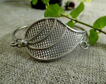 Metal vintage bracelet silver sheet thin ring bangle mixed metals elegant flora bracelet Retro Jewelry 80s Wrist bracelet, art deco bracelet