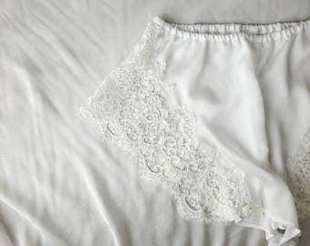 Sunday White Lace Scallope Tap Pants