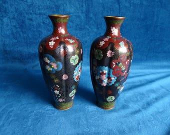 Set Chinese cloisonné vases with floral decor
