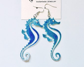 Seahorse earrings - Nautical jewelry - Nautical earrings - Beach earrings - Beach wedding - Gift for her - Fashion seahorse earrings