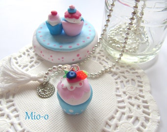 Cupcake necklace,cupcake pendant,polymerclay pendant, gift idea, present,jewelry,