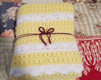 Daisy Colored Baby Blanket/Childs Throw