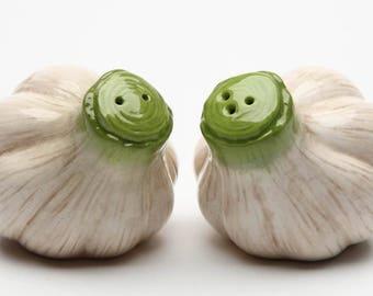 Garlic Salt and Pepper Shaker Set (20836)
