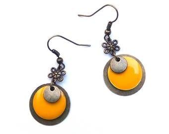 Bronze metal ♦ earrings yellow and bronze and yellow enameled sequin earrings