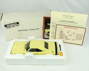 Box & Title - Rare Vintage Danbury Mint 1969 Dodge Charger R/T 1/24 Diecast Car