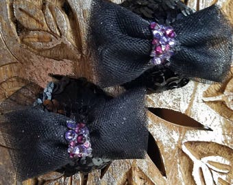 Black bow purple elements