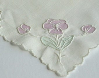 Vintage Madeira Linen Bread Basket Liner Linen Hand Embroidered Pansy Hot Roll Cover Biscuit Cover Buns and Rolls Doily