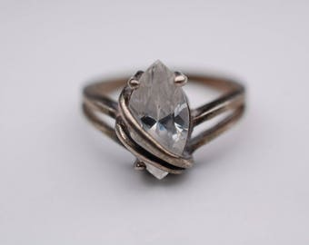 A Lovely  CZ Marquise Shaped Engagement Ring Size 5 Sterling Silver 925