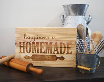 Engraved Pallet Wood Sign- Happiness is Homemade | Kitchen | Baker | Cook | Housewarming | Gift | Bridal Shower | Home Decor
