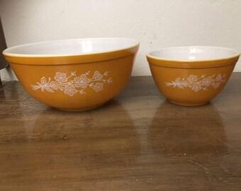Pyrex Mixing Bowl Set 401 403 Nesting Butterfly Flowers Butterscotch