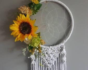 Sunflower dreamcatcher, flower dream catcher, floral dreamcatcher, spring decor, wedding wall hanging, spring wedding, house warming, yellow