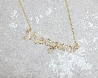 Name chain in personal design Material is very qualitative gift
