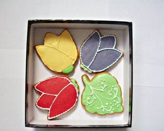 set of decorated cookies, flowers cookies, cookies gift