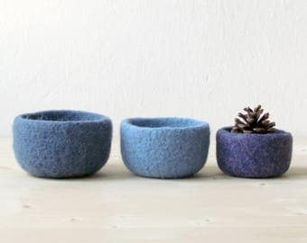 Catchall / Felted bowl / Blue home decor / Ombré blue / Organic eco friendly / nesting bowls / ring holder / gift for her