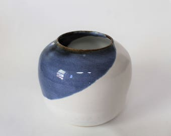 Small round blue and white pot
