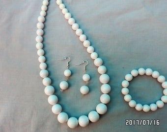 White Acrylic Bead Original Handcrafted Jewelry Set -- Necklace Bracelet Earrings