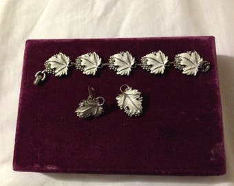Vintage Sarah Coventry Bracelet and Earring Set - 1960's