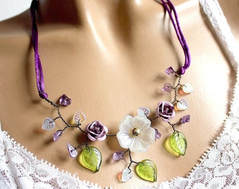 Necklace three purple satin flowers