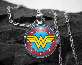 Wonder Woman Glass Pendant superhero Wonder Woman necklace Wonder Woman jewelry photo pendant art pendant photo jewelry art jewelry silver