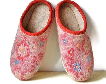 Felted women slippers, felted wool slippers, felt wool slippers, house shoes, wooll shoes, women slippers, Slippers as a gift
