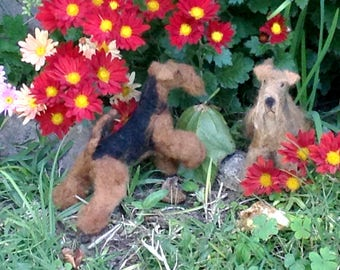 AIREDALE Terrier Fleece (Neddle felted)