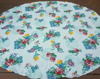 Vintage Circle Rose Table Cloth / Tapestry
