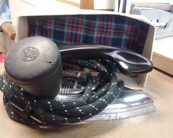 Vintage Travel Iron by general electric