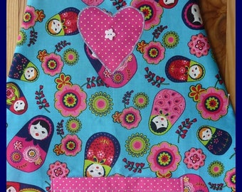 "Apron Turquoise ""Matriochkas"", ideal for nursery school"