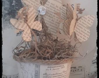 Envolée de papillons en papier , petit pot patiné lin