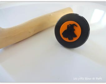 """Ring """"Halloween witch"""" buttons"""