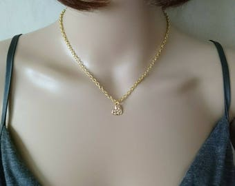 Short heart pendant chain necklace