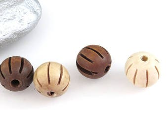 4 wood in 2 colors, size 18 mm