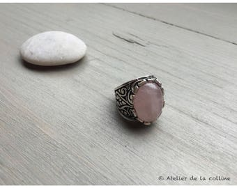 Pink Adjustable ring in antique silver with quartz cabochon