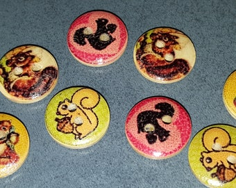 12 buttons pattern squirrels wooden 1.5 cm, fancy wooden buttons